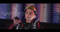 Певица Anny устроила инопланетную дискотеку