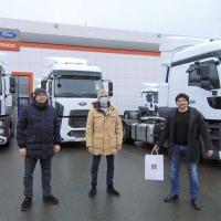 Большая партия новых седельных тягачей Ford Trucks 1848T для компании из Воронежа