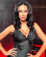 «Мои образы взбудоражат даже самого серьезного зрителя»: Яна Кошкина стала ведущей откровенного чарта на «МУЗ-ТВ»