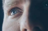 Офтальмолог составил рекомендации по сохранению зрения осенью