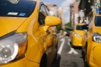 В Подмосковье более 50 тысяч бумажных разрешений на такси получили цифровой дубликат
